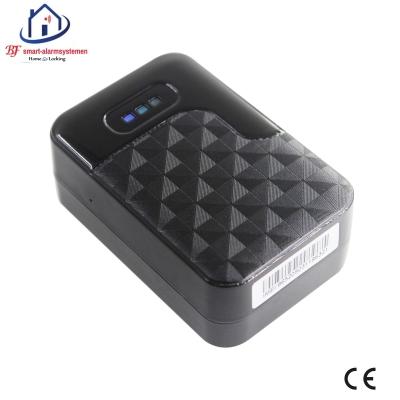 Home-Locking GPS-tracker voor voertuigen.GT-1055